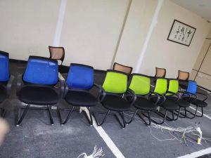 长沙芙蓉区企业办公桌椅、会议室桌椅、老板桌椅、沙发等